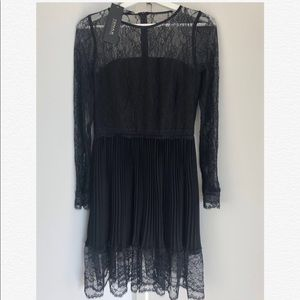 Brand New delicated lace dress-Size S-Italy made